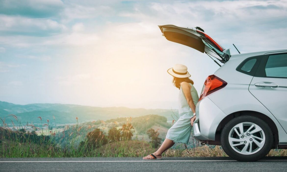 To Rent (or not) a Car in Santorini?