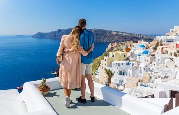 when-is-the-best-period-to-go-to-santorini-in-2020