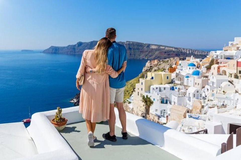 When is the best Period To Go to Santorini in 2020?