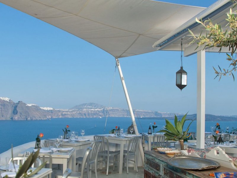 where-to-eat-and…ink-in-santorini: ‎ 3